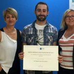 ISEP entrega a Daniel Garví, alumno de 4º de Psicología, el premio de un máster gratuito